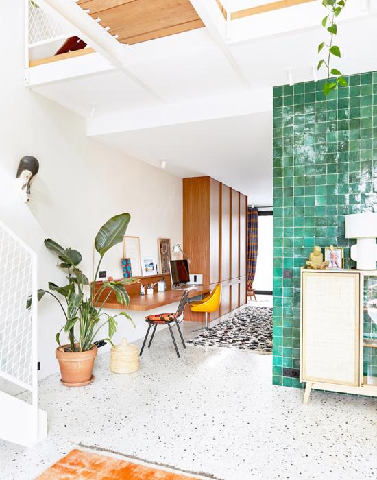 studio_julie_herion_architecte_dinterieur_bruxelles_bureau_sur_mesure_zellige_serax_afromosia_chene